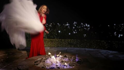 VIDEO Mariah Carey brûle sa robe de mariée à 250 000 dollars dans son nouveau clip