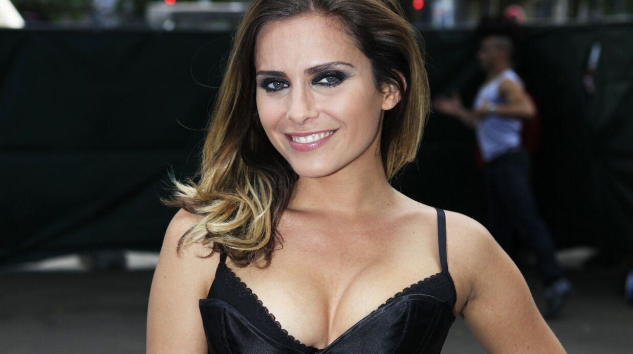 PHOTOS Clara Morgane très sexy dans son body noir transparent en dentelle