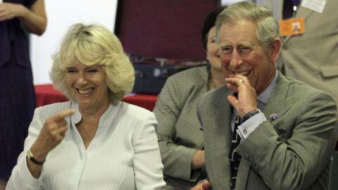 Le prince Charles et Camilla Parker-Bowles pris d'un fou rire durant un show traditionnel