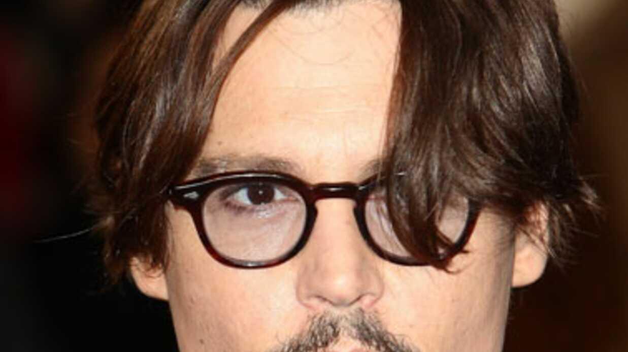 Johnny Depp meurt de rire lors d'un accident d'avion