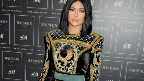 Mineure, Kylie Jenner a supplié sa mère pour se faire augmenter les lèvres: ça a marché