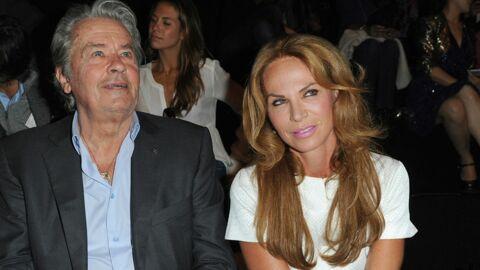 Alain Delon s'affiche au bras de Rosalie, son ex-compagne
