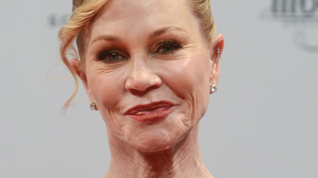 Melanie Griffith a pris conscience que ses multiples opérations de chirurgie esthétique la défiguraient