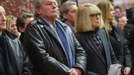Alain Delon et Mireille Darc rendent un dernier hommage à Georges Lautner