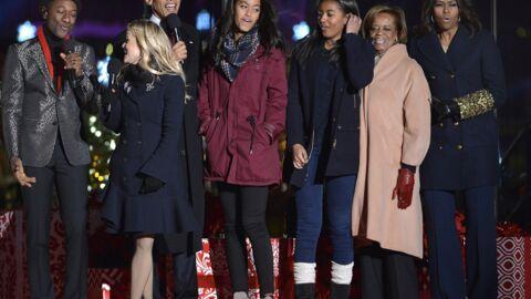 DIAPO Tout le clan Obama réuni pour illuminer la Maison Blanche