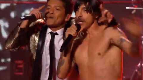 Les Red Hot Chili Peppers ont fait semblant de jouer en live au Super Bowl