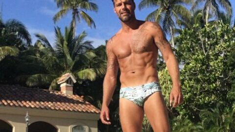 PHOTO Ricky Martin toujours sexy à 44 ans en maillot de bain