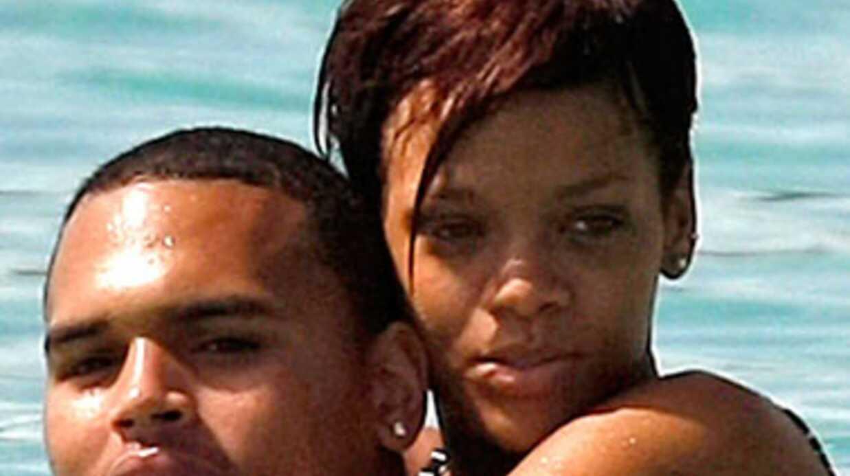 Le père de Rihanna souhaite qu'elle retourne avec Chris Brown