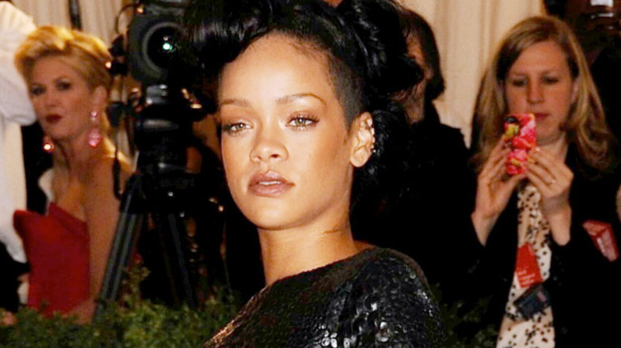Rihanna s'énerve quand un journaliste évoque Chris Brown