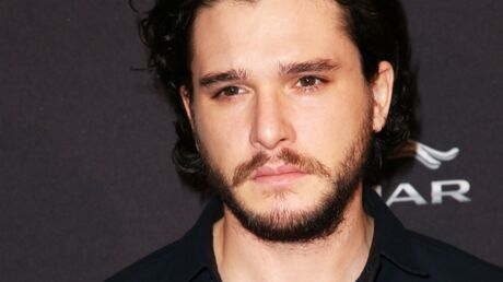 Kit Harington (Game of Thrones) : être photographié par ses fans, ça le déprime !