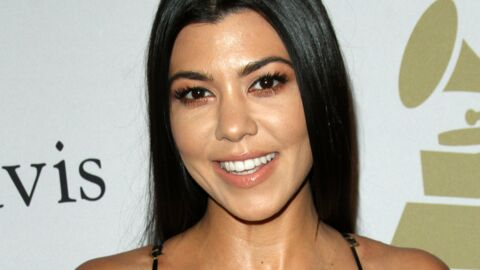 PHOTO Kourtney Kardashian pose toute nue sur un lit pour Cosmopolitan