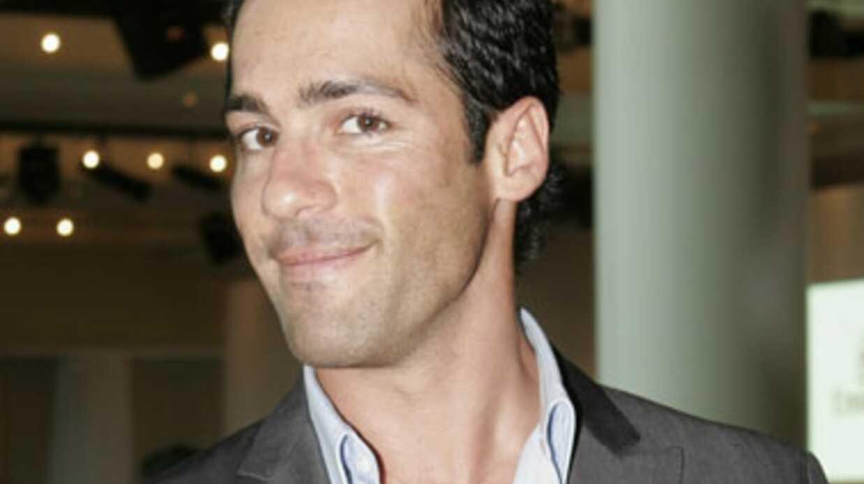 Alex Dimitriades (Nick Poulos d'Hartley cœurs à vif) revient à la télévision