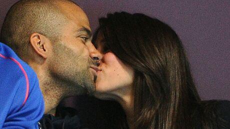 PHOTOS Tony Parker embrasse sa chérie dans les gradins