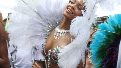 DIAPO Rihanna de moins en moins vêtue au Carnaval de la Barbade