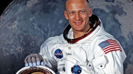 Buzz Aldrin dévoile la note de frais et le formulaire des douanes de sa mission sur la Lune