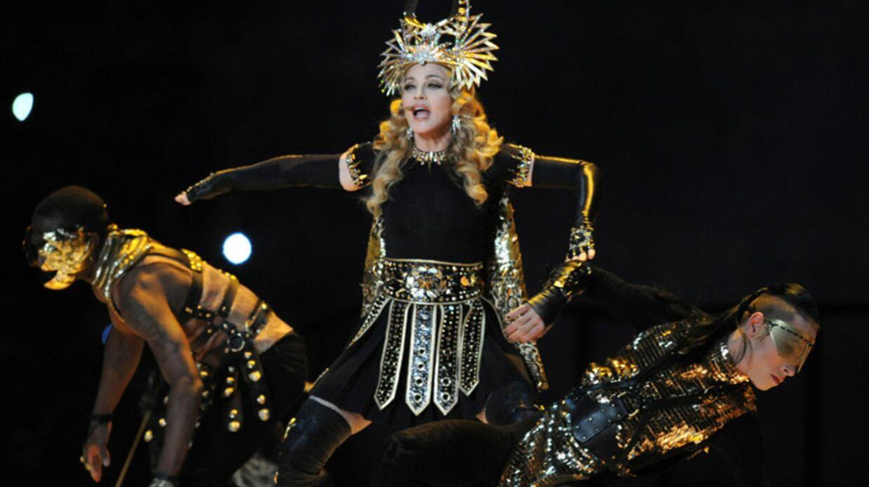 VIDEO: Madonna au Superbowl, du spectacle et un scandale