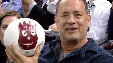VIDEO Tom Hanks retrouve Wilson, son copain ballon de Seul au monde