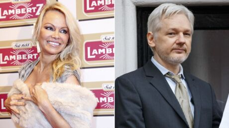 Pamela Anderson aurait une relation avec Julian Assange, le fondateur de WikiLeaks
