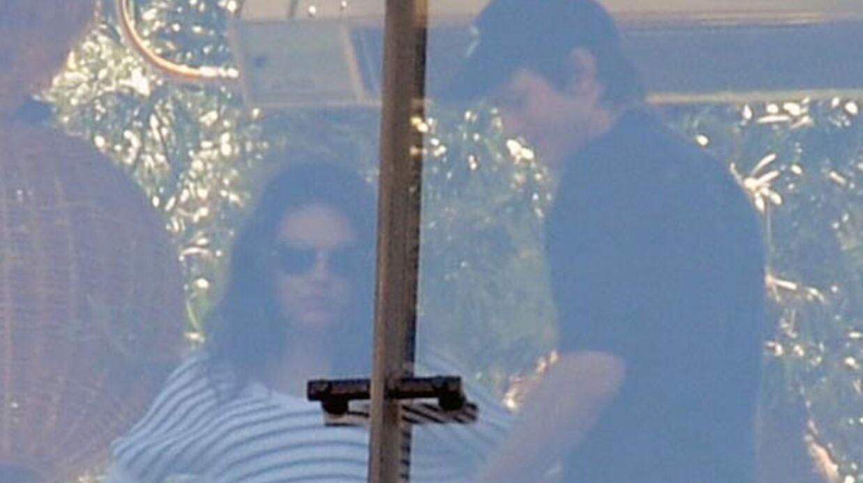 La photo du baiser d'Ashton Kutcher et Mila Kunis