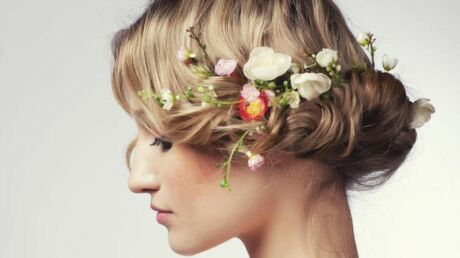 Cet été, adoptez les fleurs dans les cheveux