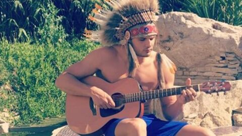 VIDEO Florent Manaudou dévoile encore ses talents de guitariste… déguisé en Indien