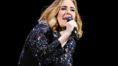 VIDEO Adele aide un fan à demander en mariage son compagnon et propose d'être leur mère porteuse