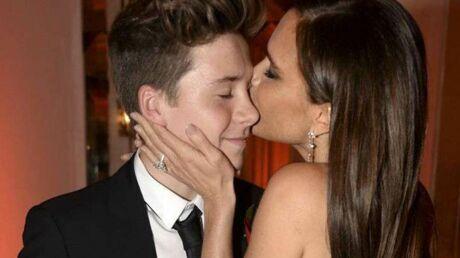L'instant câlin de Victoria Beckham avec son fils Brooklyn sur le tapis rouge