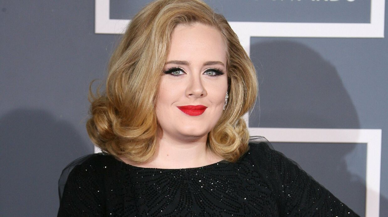 Adele fiancée à Simon Konecki, elle a prévu de se marier pour Noël