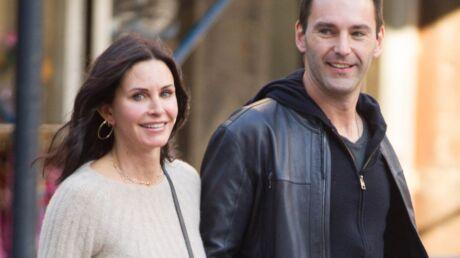 Courteney Cox et Johnny McDaid se sont-ils mariés? La bague qui sème le doute