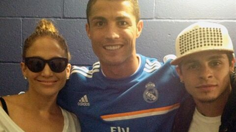 PHOTO Jennifer Lopez et Casper Smart, fans de Cristiano Ronaldo
