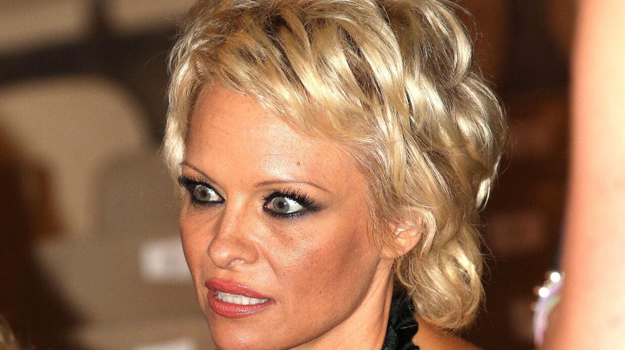 Pamela Anderson: traité de mauvais coup, son ex se venge en publiant leurs SMS hot