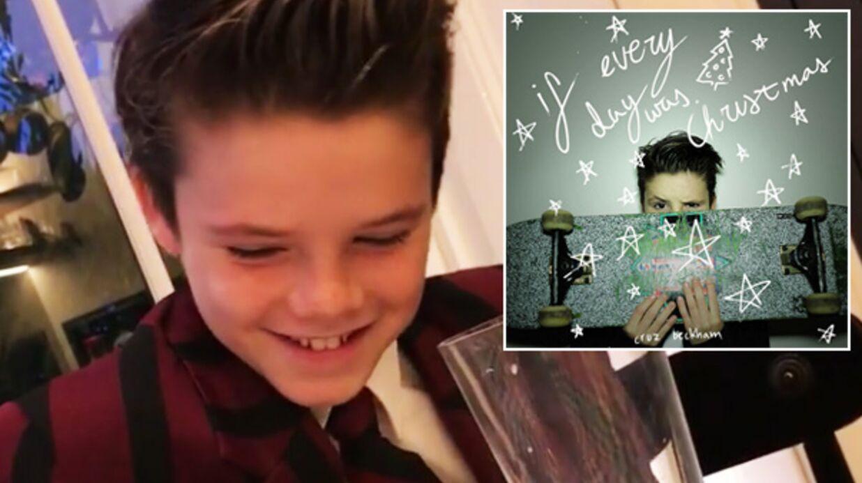 VIDEO Cruz Beckham super touché d'entendre son single de Noël à la radio