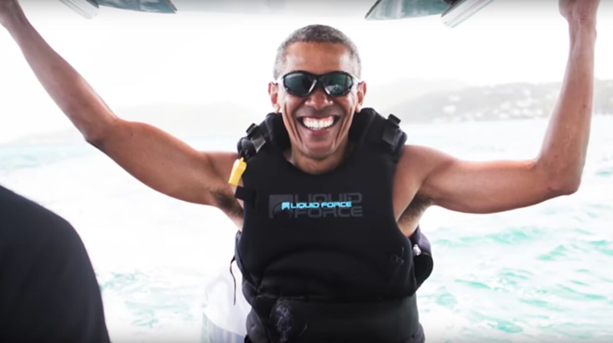 VIDEO Barack Obama s'éclate sur une planche de kite-surf