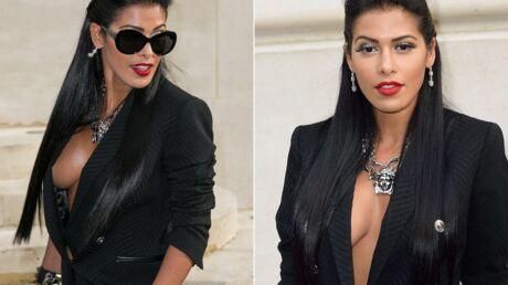 PHOTOS Le décolleté très osé d'Ayem Nour au défilé parisien de Versace