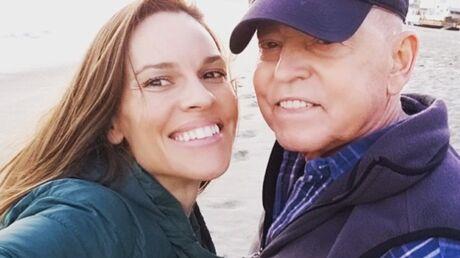Hilary Swank fait une pause dans sa carrière pour s'occuper de son père malade