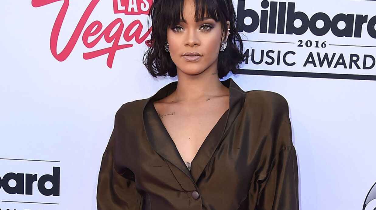 Rihanna réinvente carrément le concept des photos de vacances hyper sexy!