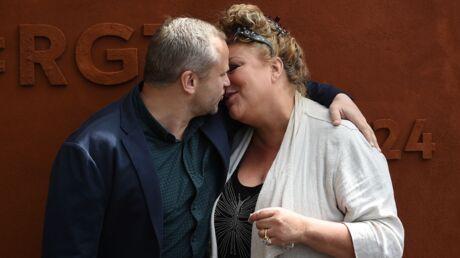 PHOTOS Roland-Garros: Marianne James embrasse tendrement son amoureux