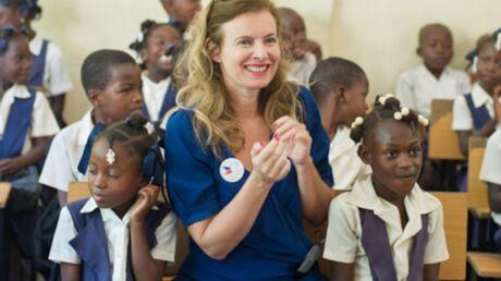 DIAPO Valérie Trierweiler savoure sa liberté retrouvée auprès des enfants d'Haïti