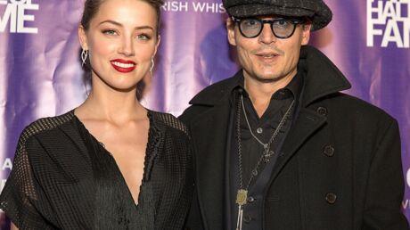 PHOTOS Main dans la main avec Johnny Depp, Amber Heard affiche sa bague de fiançailles