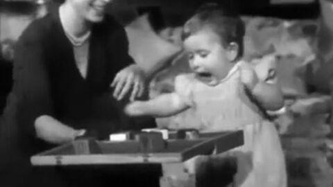 Vintage: l'adorable vidéo du prince Charles faisant ses premiers pas devant sa mère