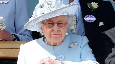 La reine Elizabeth II n'apprécie pas que ses employés draguent sur Tinder