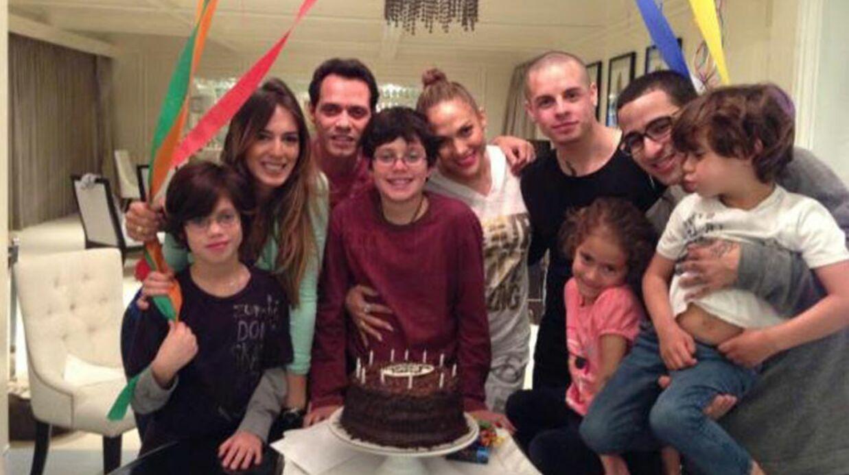PHOTO Jennifer Lopez pose avec son mec et son ex
