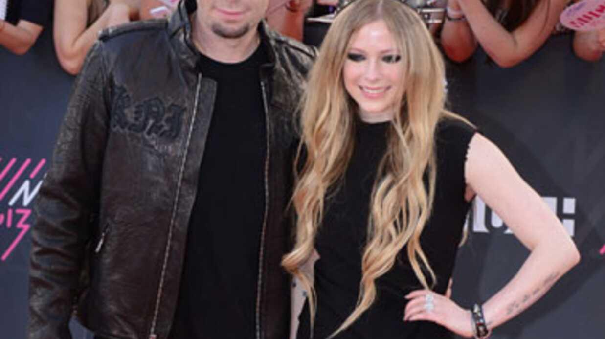Avril Lavigne: pourquoi elle a choisi de se marier en noir