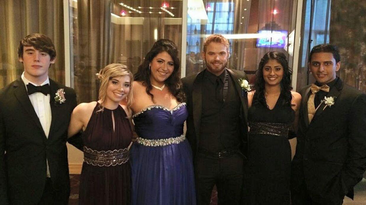 PHOTO Kellan Lutz: la star de Twilight accompagne une ado à son bal de promo