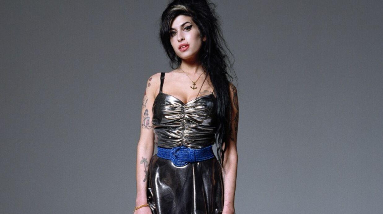 Pete Doherty vend une peinture utilisant le sang d'Amy Winehouse