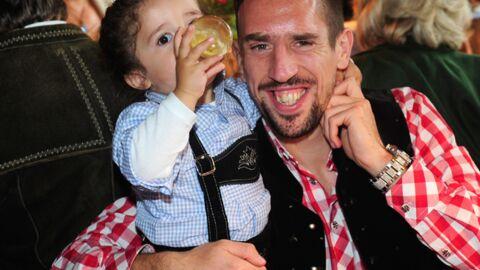 DIAPO Franck Ribéry avec ses enfants à la fête de la bière