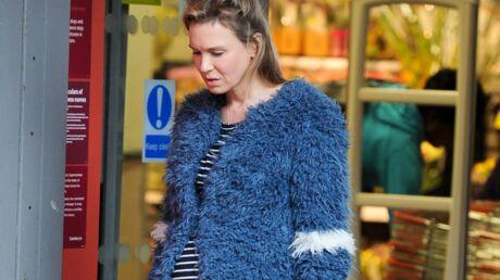 PHOTOS Bridget Jones dévoile son (énorme) babybump!
