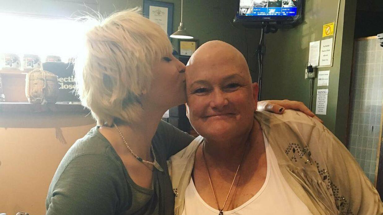 PHOTO Paris Jackson affiche son soutien à sa mère, atteinte d'un cancer du sein
