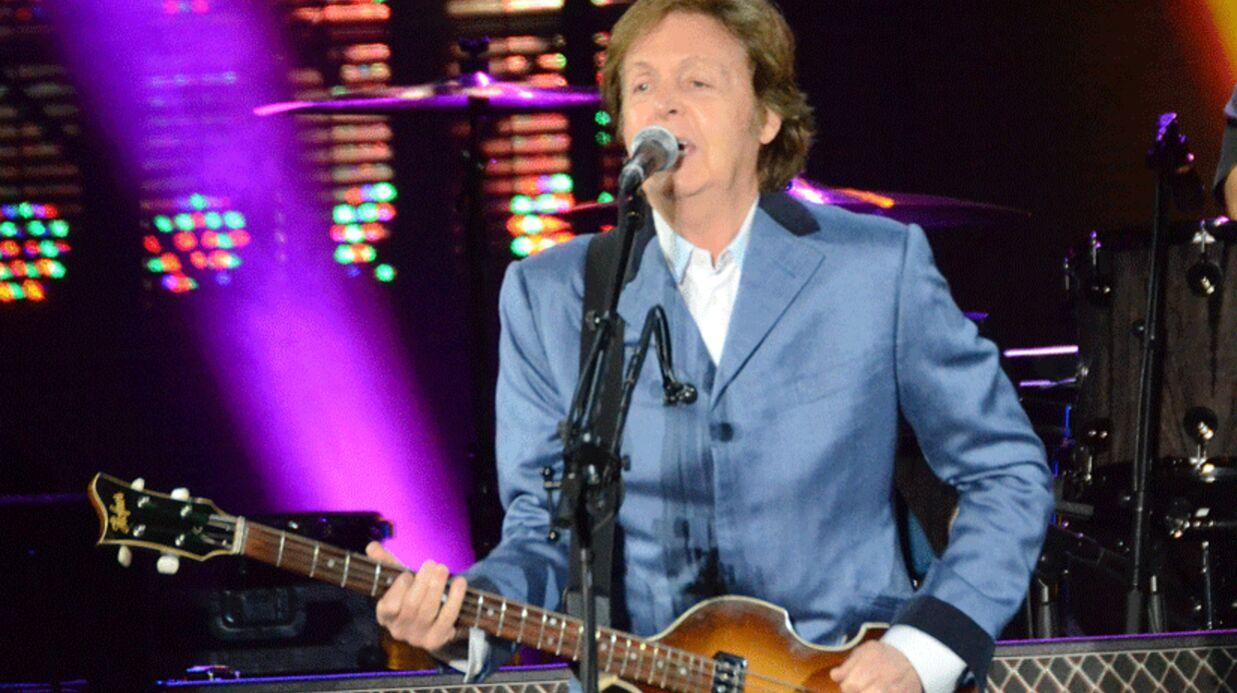 Paul McCartney fait Officier de la Légion d'Honneur par François Hollande