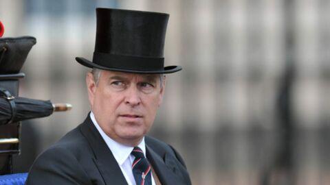 Le prince Andrew interpellé dans les jardins du palais de Buckingham